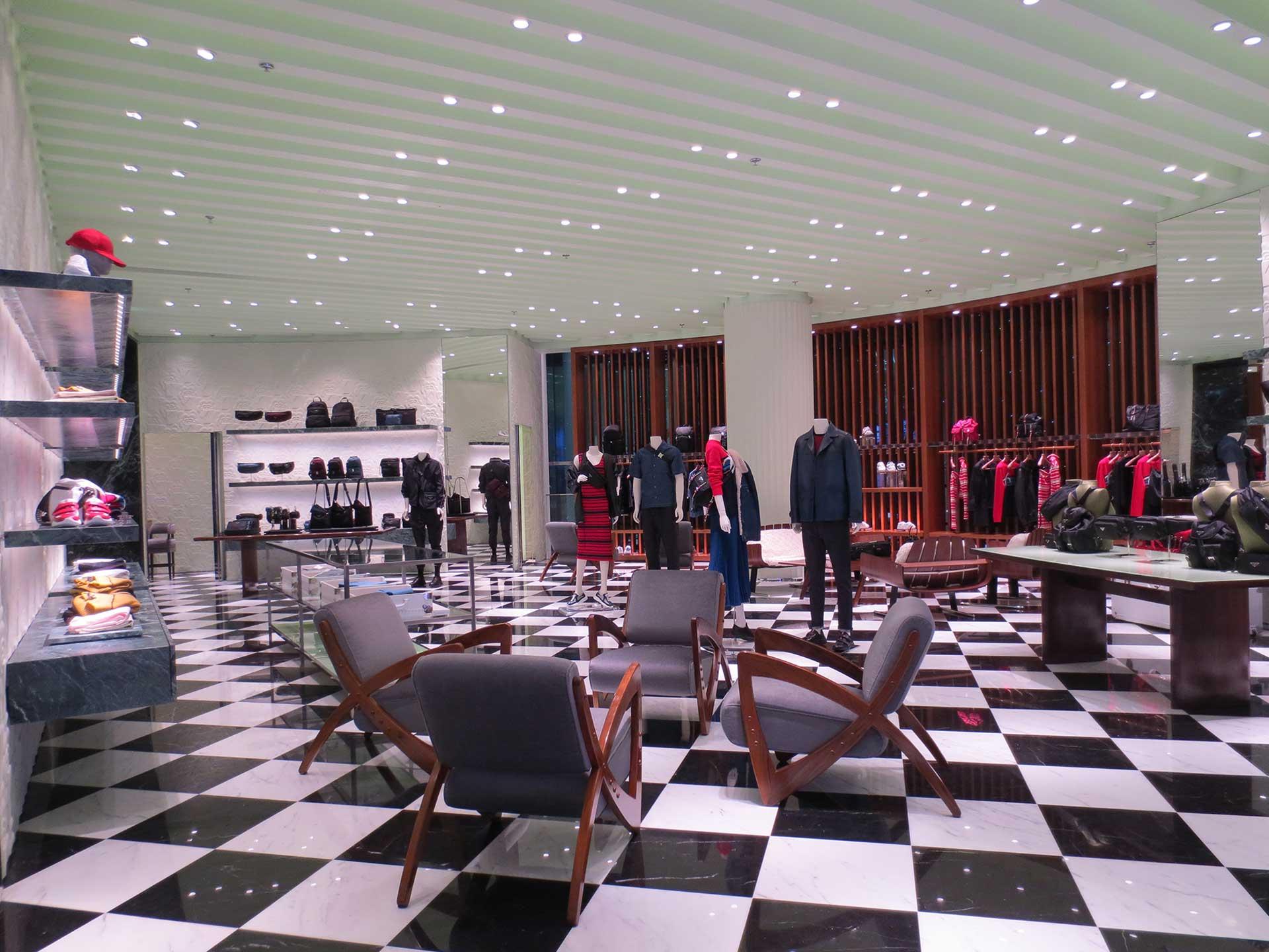 prada_dubai_mall_2018_3